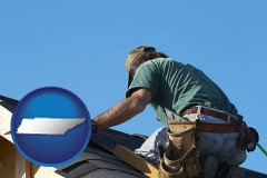 tennessee a roofing contractor installing asphalt roof shingles